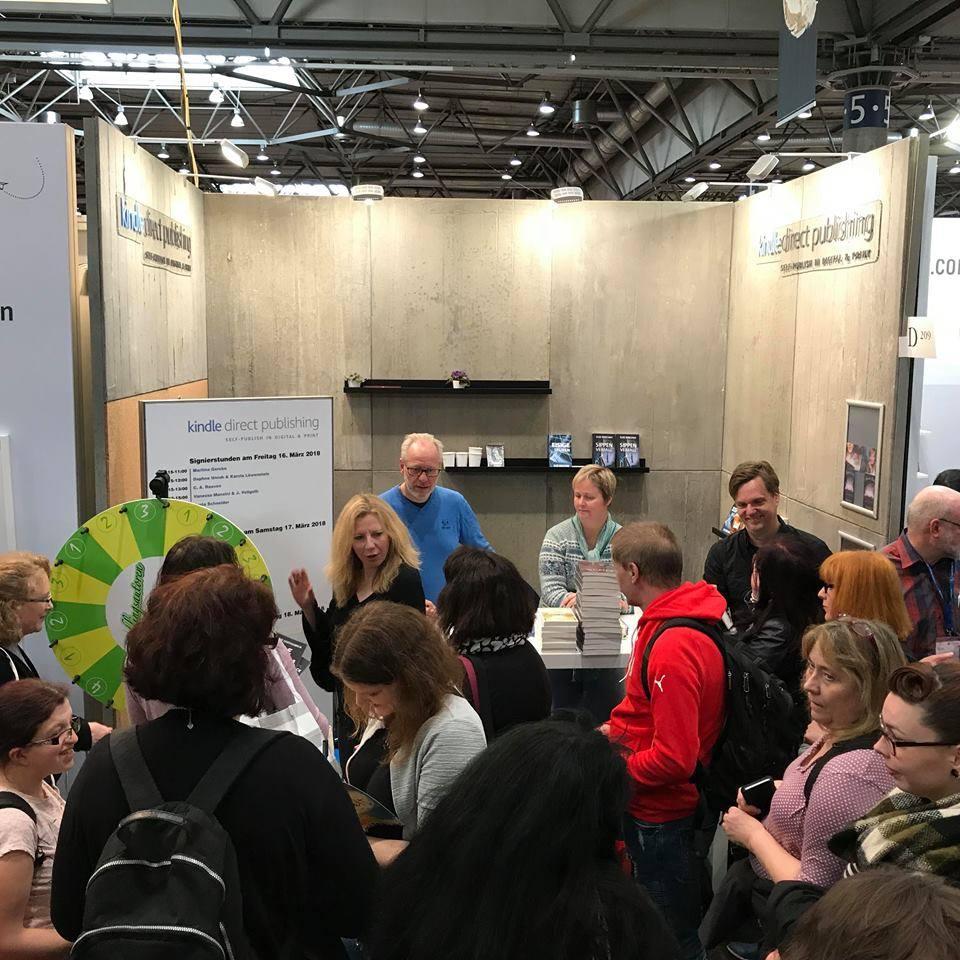 Signierstunde am Amazon Stand auf der Leipziger Buchmesse 2018